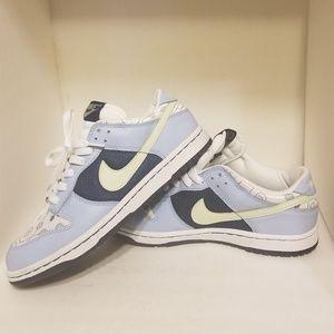 Nike Dunks 6Y or 7.5W